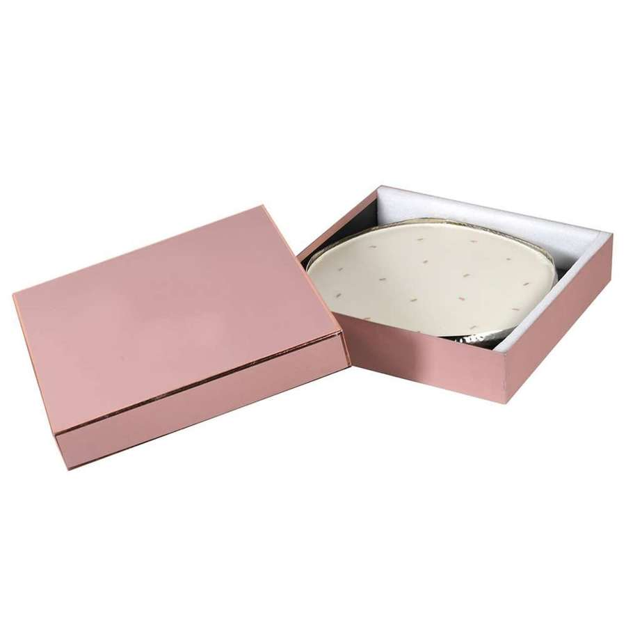 Round 16 wick, tuberose scented candle - gift boxed